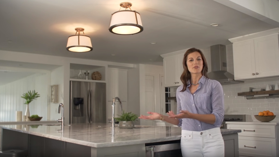 Hinkley Lighting a Kitchen Island video - LightsOnline.com